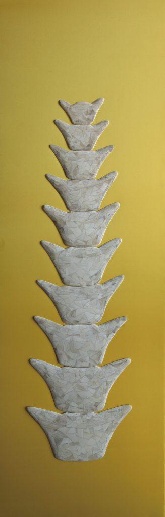 宝塔Pagoda | 牛骨、丝绸Ox bone, silk | 150x150 cm | 2013 | 庞海龙Pang Hailong